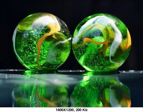 Красивые стеклянные обои для рабочего